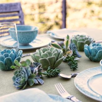 Ceramic-Tea-Light-Holders-on-Table